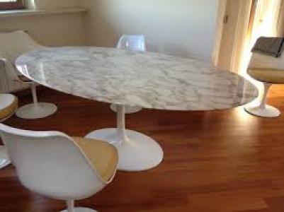 Saarinen tulip coffee table ovale marmo calacatta oro - Tavolo knoll saarinen ovale ...